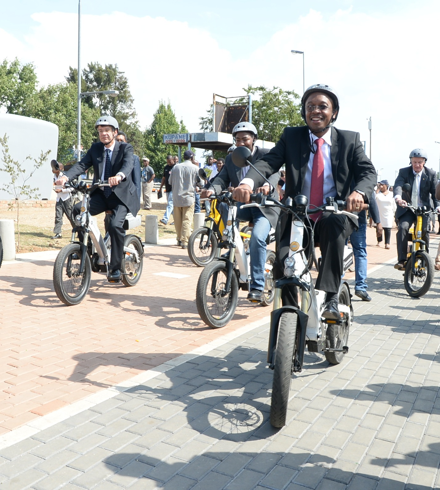 Mayor-Parks-Tau-riding-bicycle